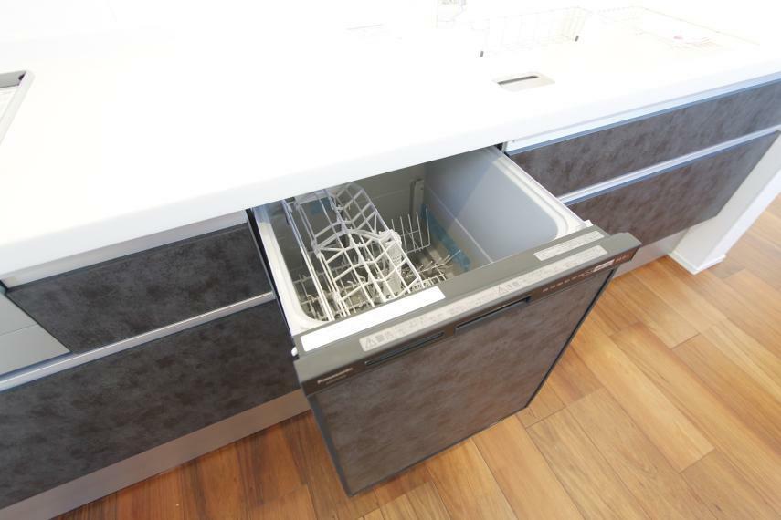 建売には珍しい深型食洗機付き 深型なのでお鍋も洗えちゃいます!