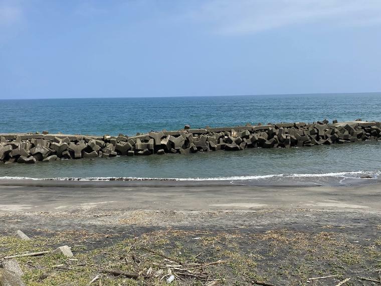 テトラポットの防波堤