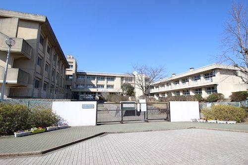 中学校 千葉市立泉谷中学校 徒歩20分。