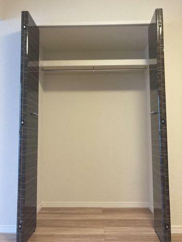 収納 5.8帖の洋室の収納