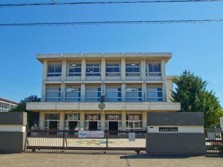 小学校 鴻巣市立赤見台第二小学校