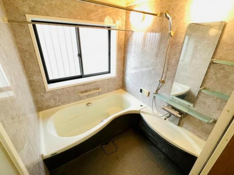 浴室 お子様と一緒にバスタイムを楽しめる広々浴室