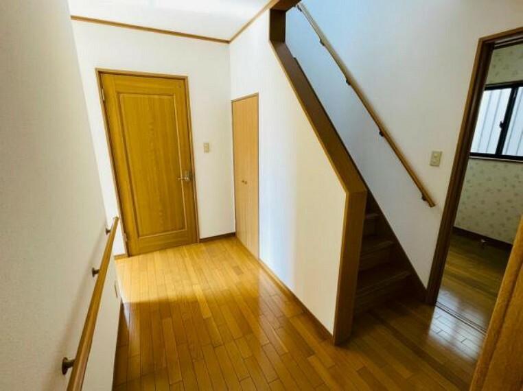 廊下は幅がゆったりしているので移動しやすい!