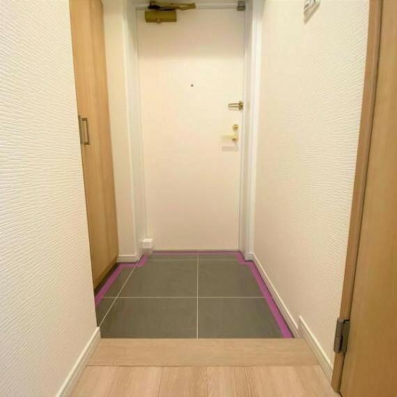 玄関 散らかりがちな玄関ですが、収納付きですので整理整頓できます!