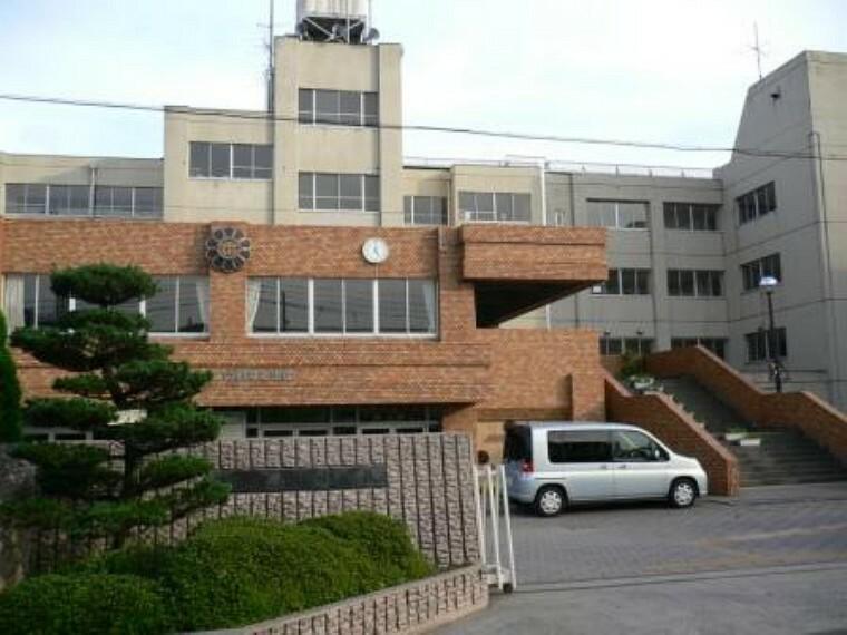 中学校 【中学校】越谷市立東中学校まで510m