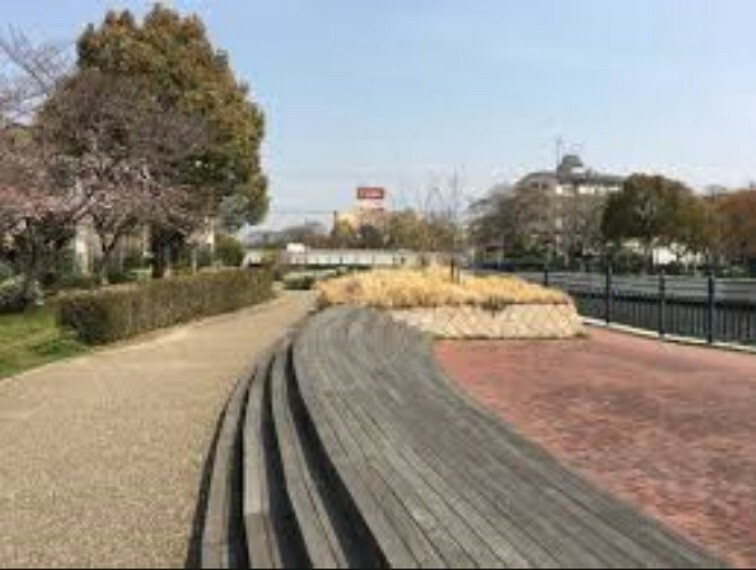 公園 【公園】蓬川緑地まで614m