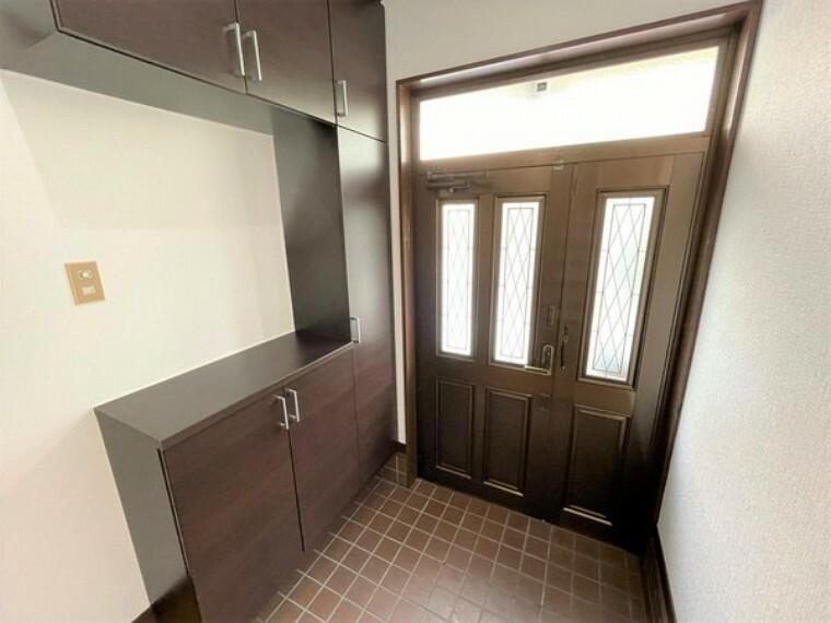 玄関 シューズボックス付き玄関