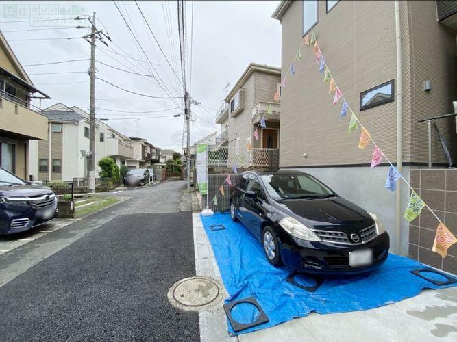 駐車場 《駐車スペース》車通り少なく駐車が苦手な方でも安心ですね