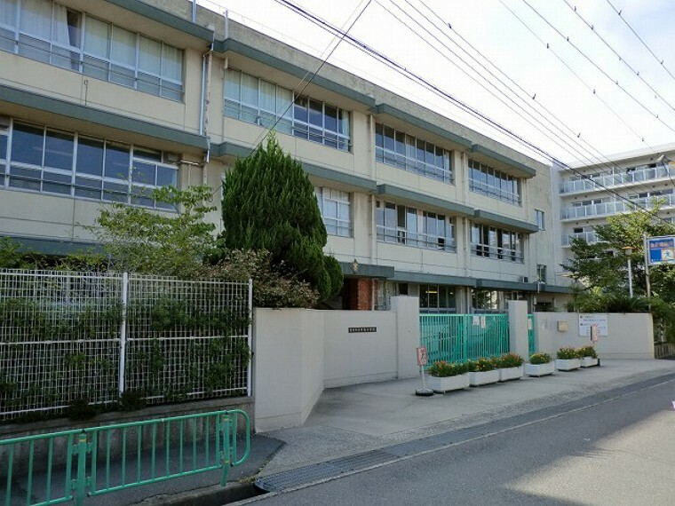 小学校 茨木市立中条小学校