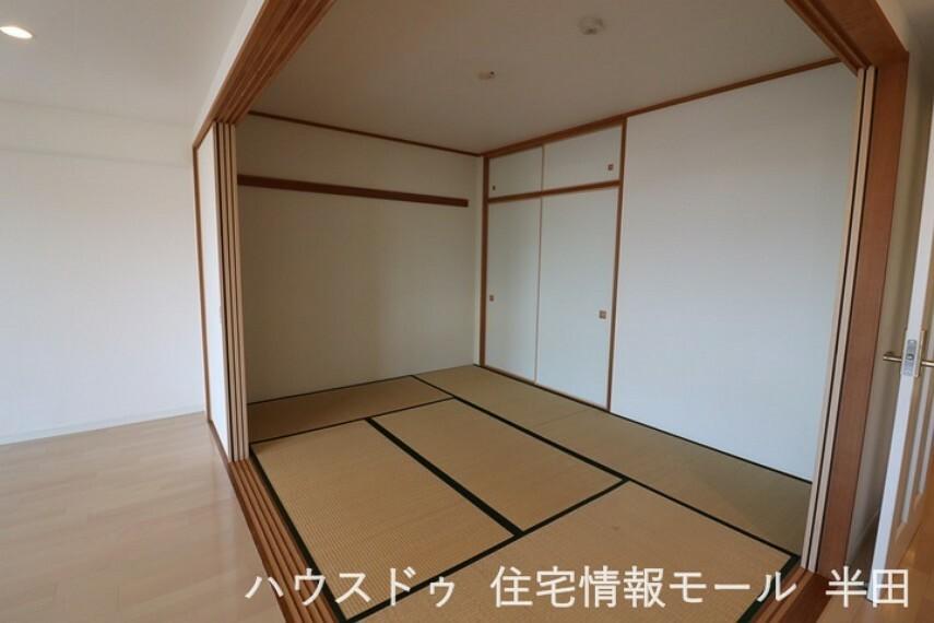 和室 6畳和室はちょっと横になりたいな・・・と思った時のくつろぎのスペースに! リビングは一体的にご利用いただけます!