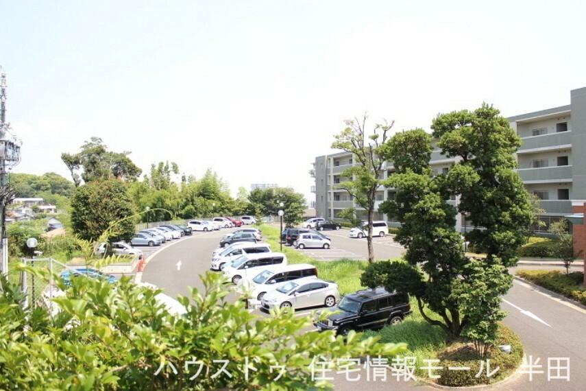 外観写真 敷地内には駐車場があります。