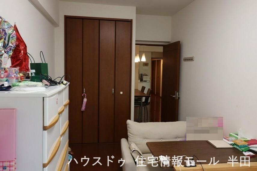 子供部屋 7.4帖洋室 白を基調とした明るいお部屋 子供部屋にオススメ!