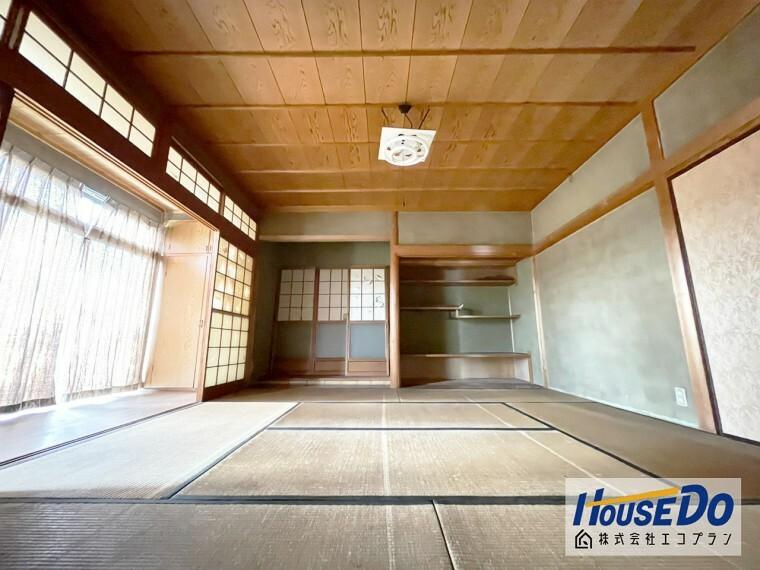 和室 採光の良い和室はのんびりと寛げる空間です!