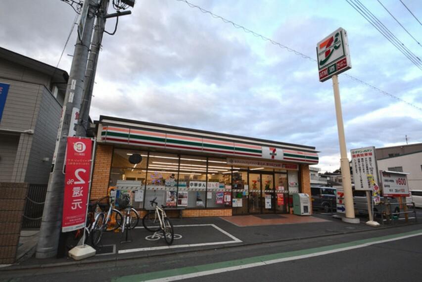 コンビニ セブンイレブン鶴ヶ島駅東口店