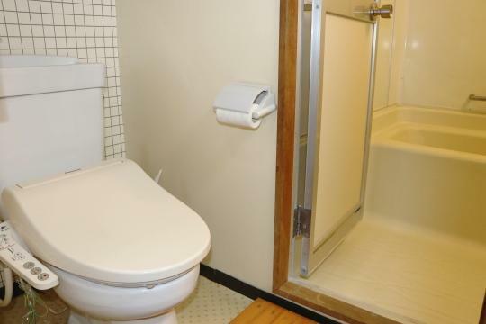 トイレ 洗面トイレは1つのスペースに納められています