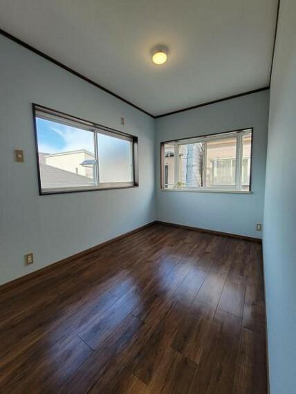 子供部屋 洋室:お子様の部屋にもちょうど良い広さのお部屋です