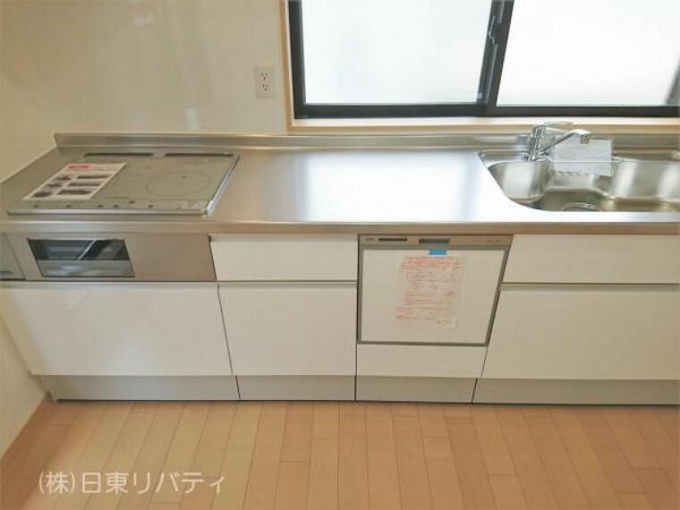 キッチン キッチンには窓があるので明るく、換気もしっかりできます。
