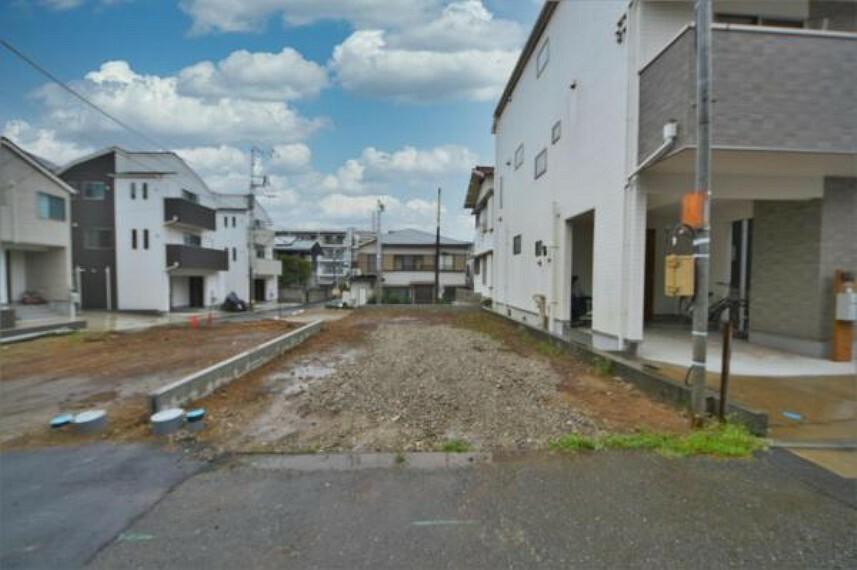 現況外観写真 現在、更地です。京急本線『井土ヶ谷』駅徒歩16分、平坦です。