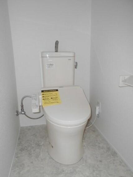 トイレ シャワートイレ新品です。