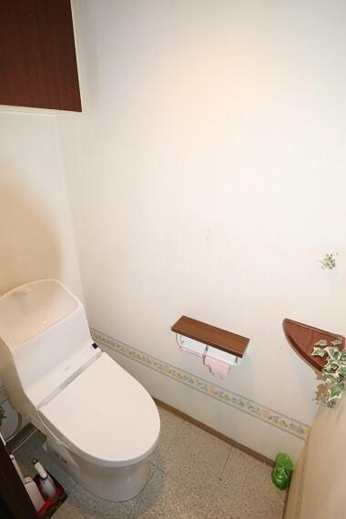 トイレ 令和2年3月に交換したばかりの温水洗浄便座付きのトイレ
