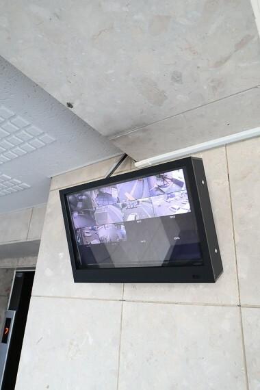 防犯設備 エントランス、駐車場、駐輪場など防犯カメラ多数設置でセキュリティ充実!!