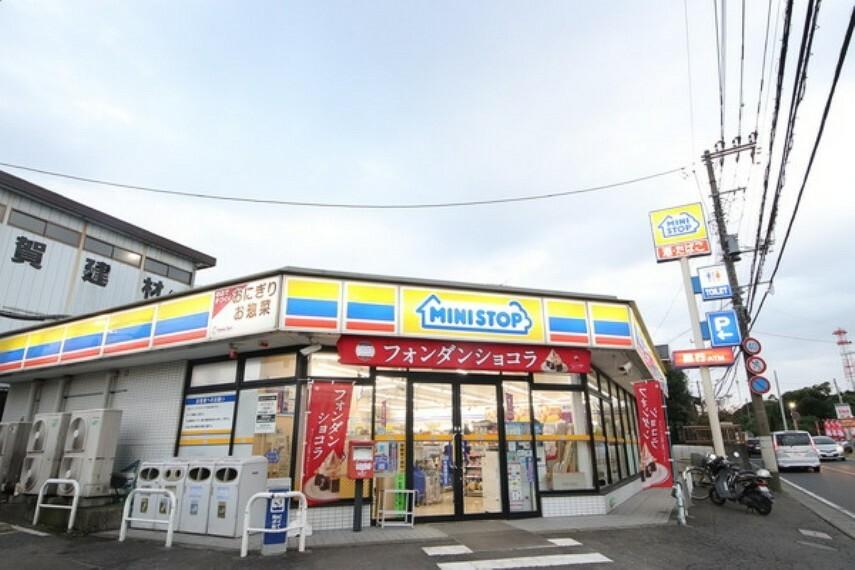 コンビニ ミニストップ泉新橋店