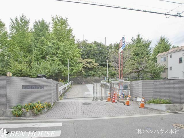中学校 横浜市立上の宮中学校 距離1430m