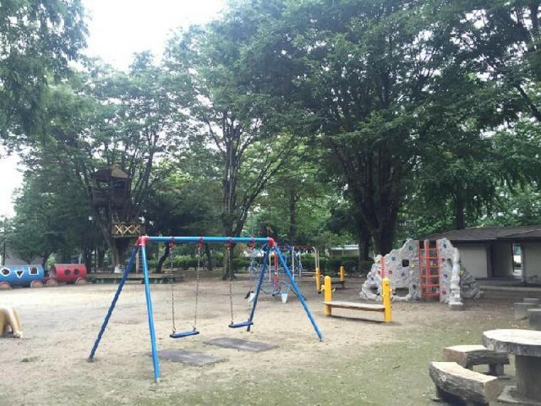 尾島公園・・・遊具も揃っていて公園も広々しているので、小さなお子様から大人の方まで思いっきり身体を動かせます。
