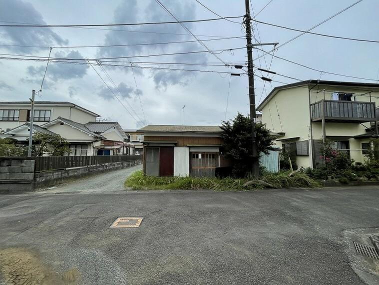 現況写真 大雄山線「飯田岡」駅から徒歩約5分の立地です。