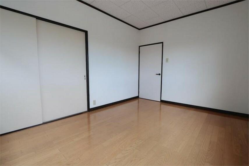 2F居室(東側)