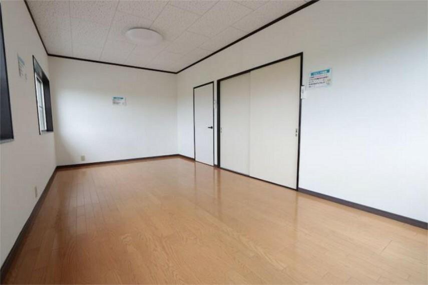 2F居室(西側)