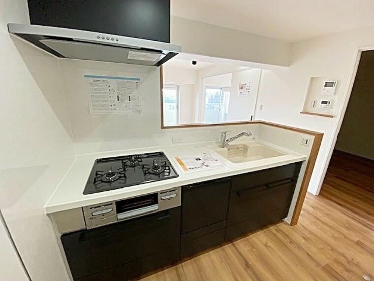 キッチン ゆとりのあるキッチンスペースです。