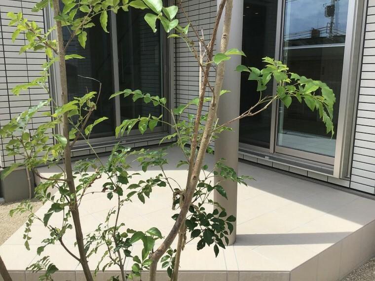 参考プラン完成予想図 【施工事例】タイルデッキ リビングと庭とのつながりをご提案します