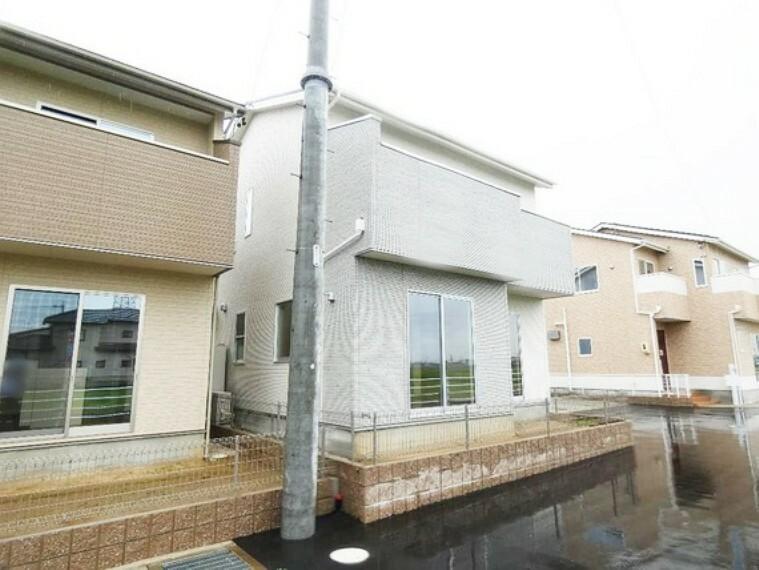 外観写真 太陽光発電システム・オール電化の4LDK住宅です。