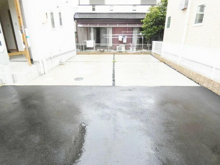 駐車場 車は2台駐車可能。