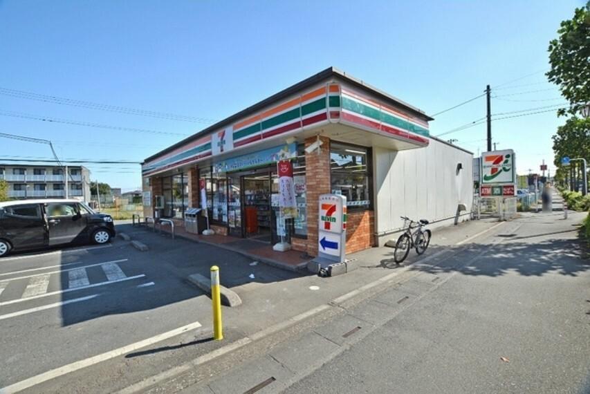 コンビニ セブンイレブン毛呂山岩井店