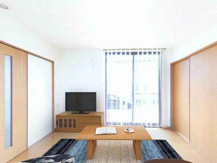 居間・リビング 「リビング」約14.4帖のリビングです。お隣にはホッと落ち着ける和室がございます。