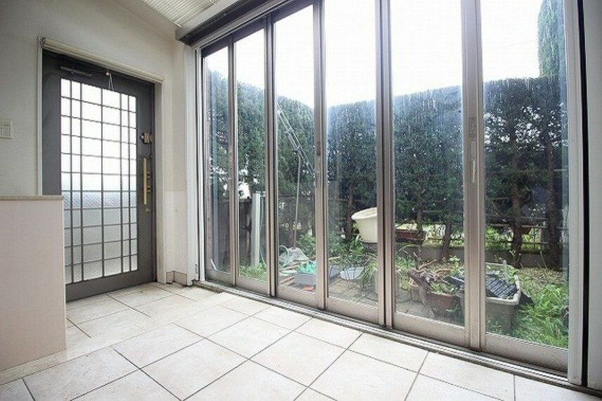 眺望 日当たりの良いお庭で、ガーデニングや家庭菜園などにいかがでしょうか