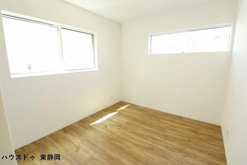 洋室 間取り図右側5.8帖洋室。