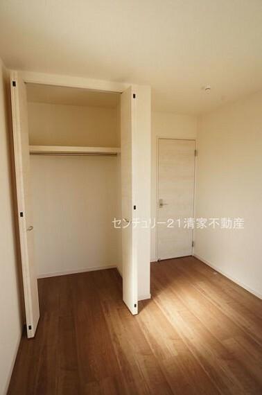 子供部屋 3号棟:子供部屋にも嬉しい全居室収納スペース(2021年09月撮影)