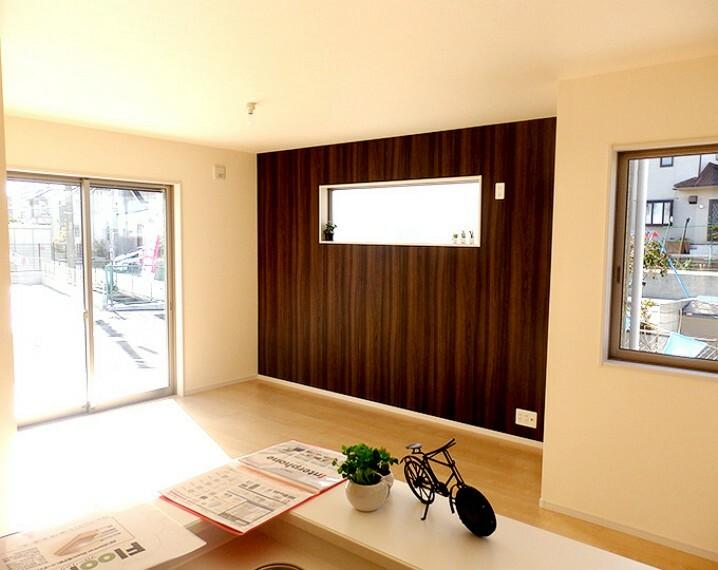 居間・リビング 同仕様建物のリビング。カラーは異なることがございます。