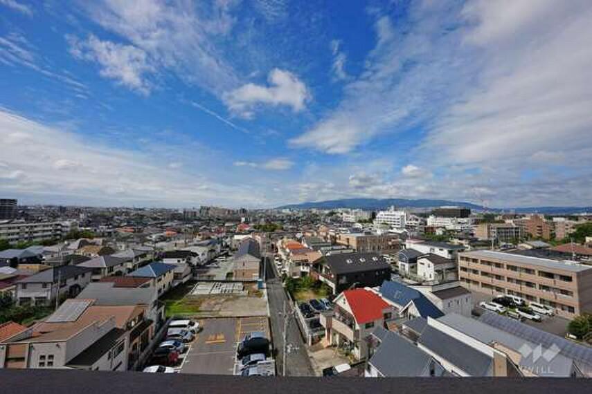 眺望 バルコニーからの眺め(南西方向)お天気の良い日には遠くのほうまで見渡すことが出来ます。