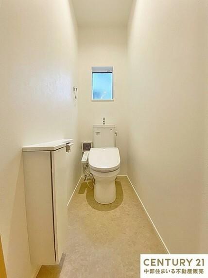 トイレ 1日に何回も使う場所だからこそ、汚れがつきにくく掃除のしやすいトイレだと助かりますね