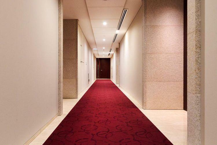 共有部にはホテルライクな内廊下を採用。外部からの不正な侵入を防ぎ、外からの視線や騒音が制御され居室のプライバシー性を高めます。