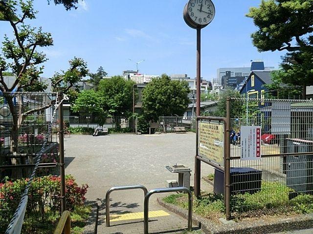 公園 鉢山公園 徒歩4分。