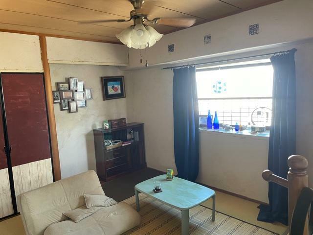 浴室 東面に出窓付で採光・通風性良好な和室6畳!床の間スペース!押入収納付!
