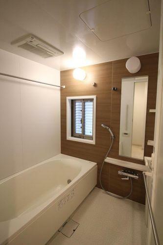 浴室 窓付きの浴室です