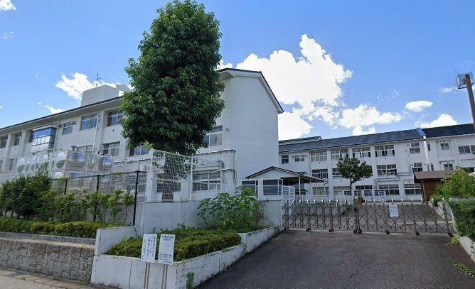 小学校 豊田市立童子山小学校 徒歩18分。