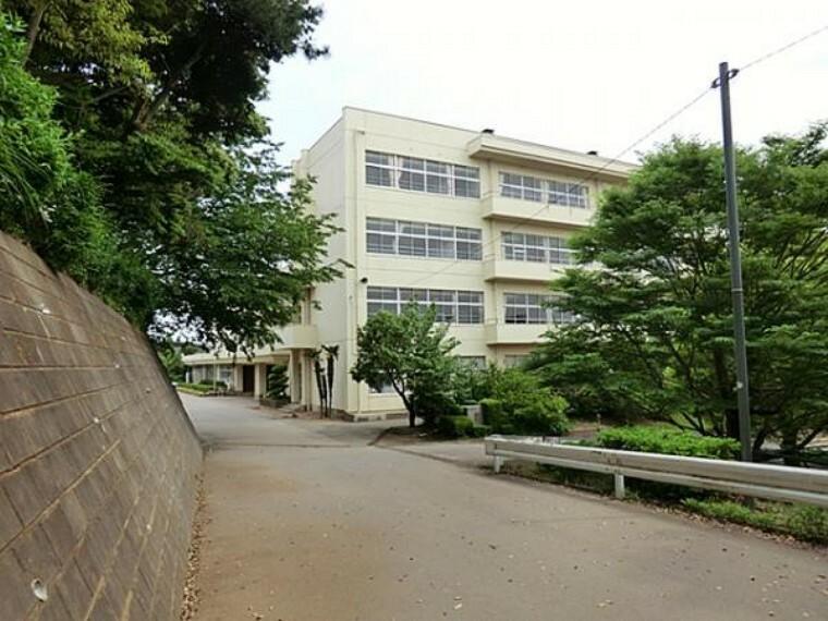 中学校 臼井中学校