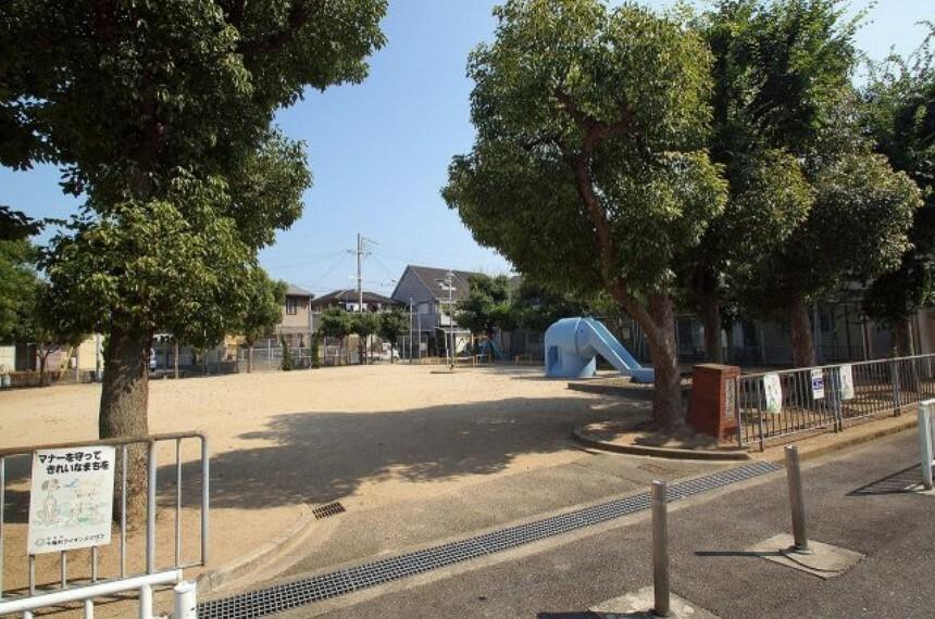 下野町ゾウ公園まで60m。